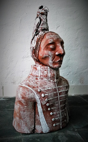 Peter De Ryck, Ishichoshtupsh of Two Whistles, Apsaroke Chief, terracotta, 20x30x50