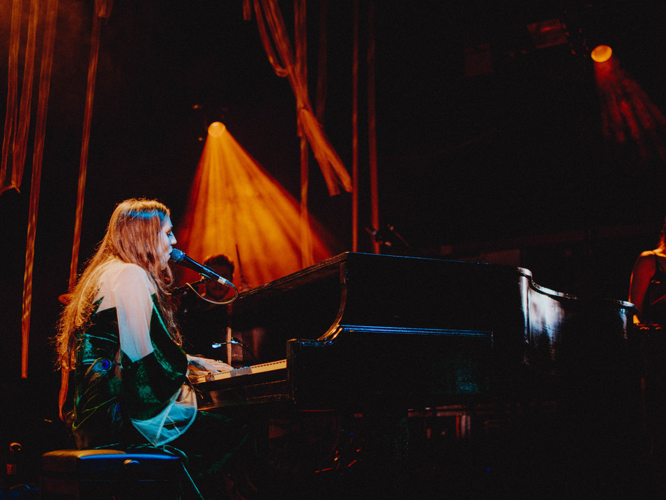 Birdy, live in Birmingham, 2016. Photography by Merry St.