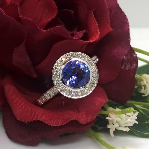 *18ct gold Tanzanite and Diamond ring