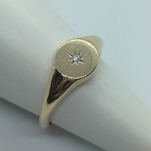 *9ct gold pinky ring set with diamond