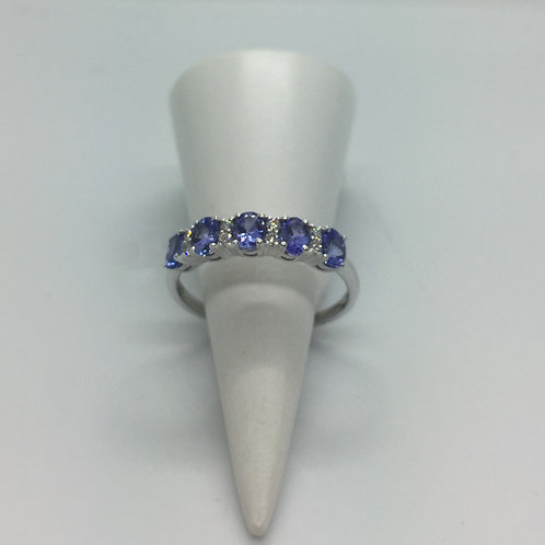 * 9ct Gold Tanzanite and Diamond ring