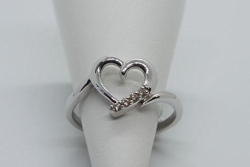 * 9ct gold Diamond heart ring
