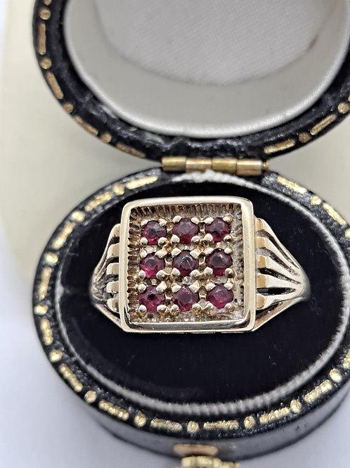 9ct ruby ring