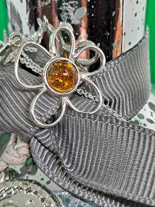 Daisy Amber pendant & chain
