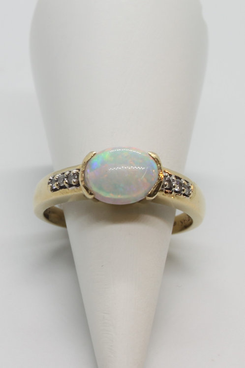 14ct gold Opal and Diamond ring