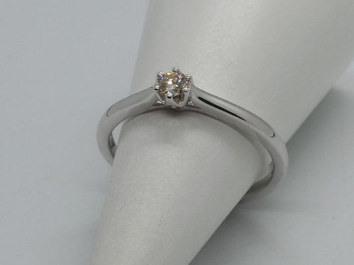 * 9ct gold Diamond Single Stone ring