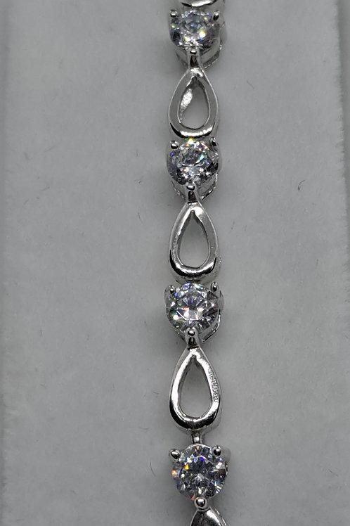 Silver clear stone ser bracelet