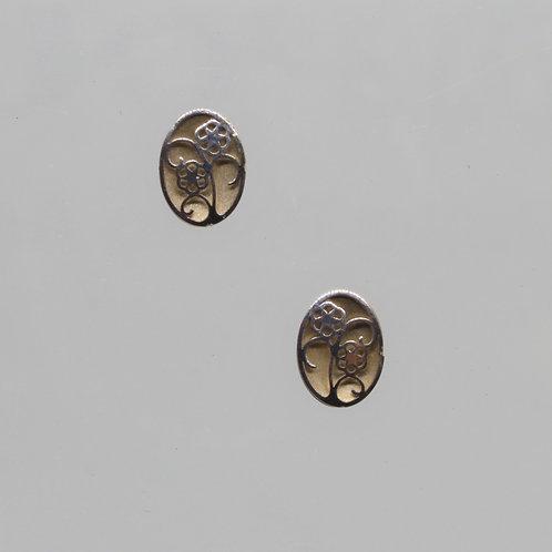 *9ct gold oval flower earrings