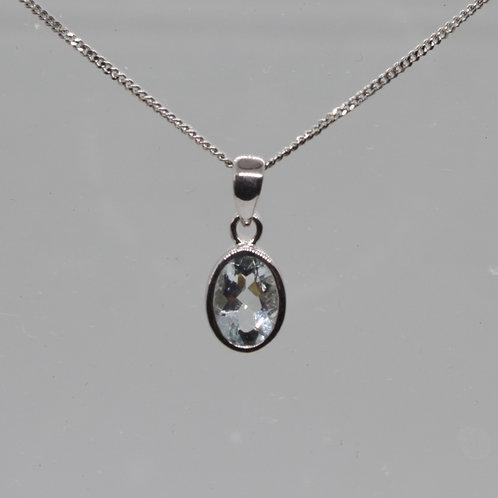 *9ct gold Aquamarine pendant & chain