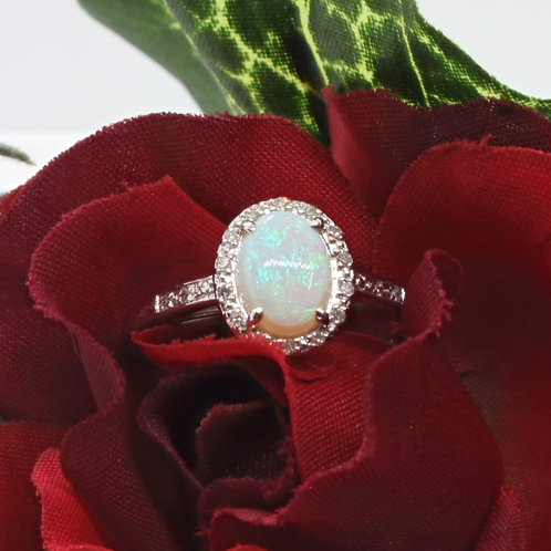 * 14ct gold Opal and Diamond ring