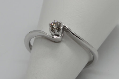 * 9ct gold Diamond Single Stone ring