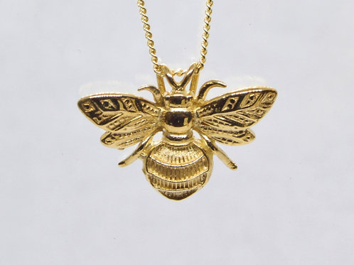 *9ct yellow gold Bee pendant and chain.