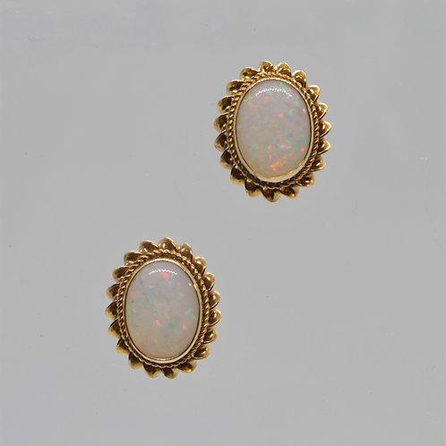 * 9ct gold Opal stud earrings