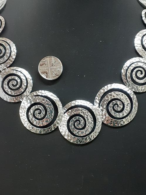 Silver spiral necklet