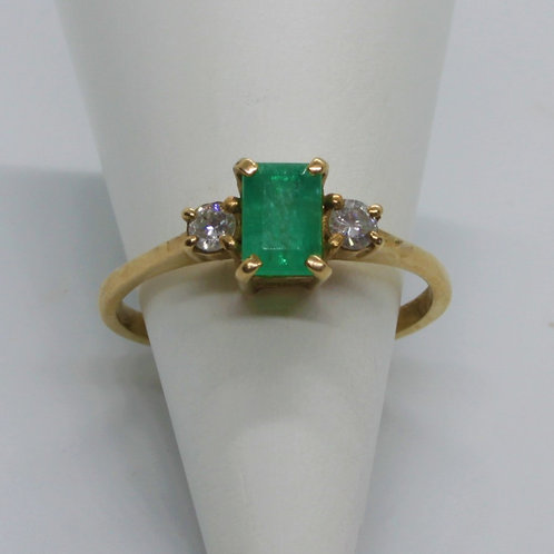 *9ct gold Emerald and Diamond ring
