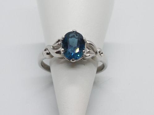 9ct gold Blue Topaz ring