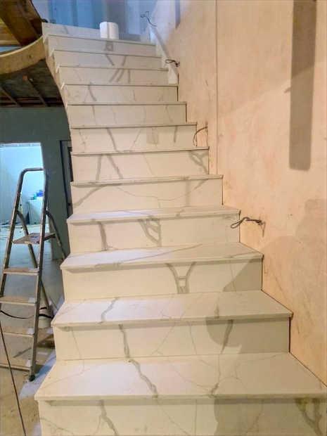Quartz floors top