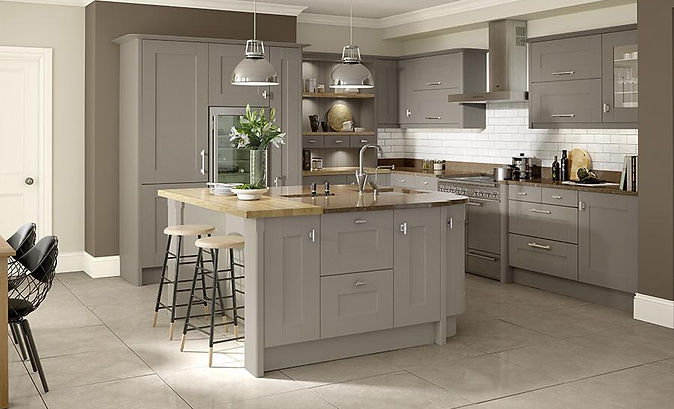 Shaker & Traditional Painted kitchen