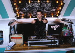 VANBAR ואן בר עמדת DJ