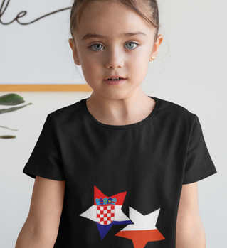 mockup-of-a-girl-wearing-a-t-shirt-at-br
