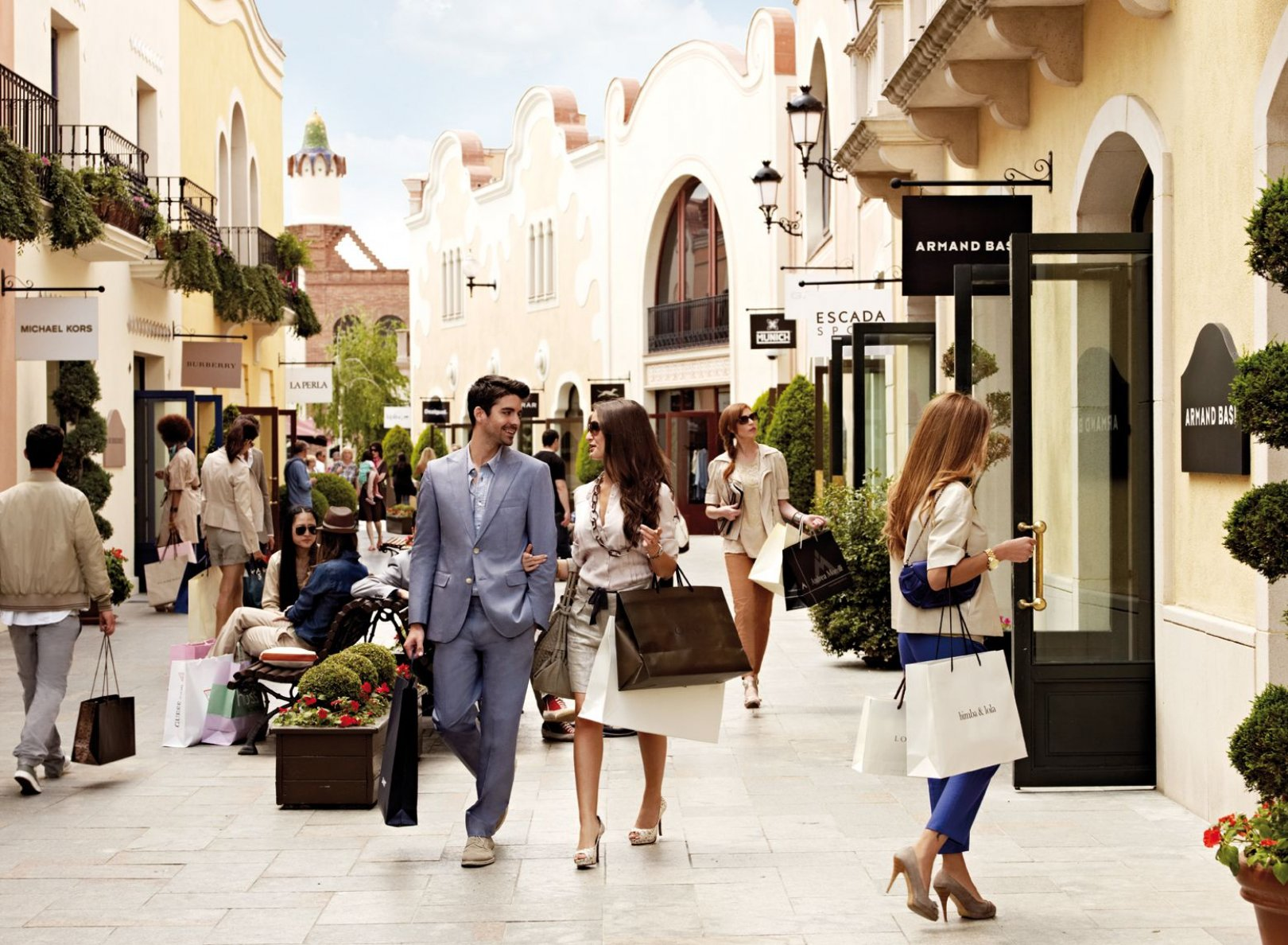 la-roca-village-chic-outlet-shopping-en12304