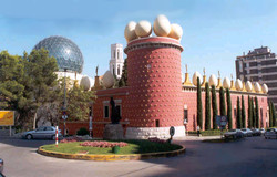 Театр-музей-Дали-2