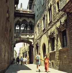 quartier-gothique-barrio-gotico-resize