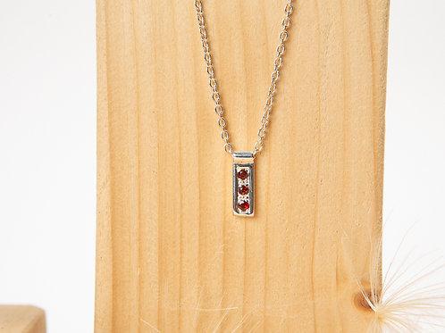 Collier minimaliste en argent 925 et grenats almandins