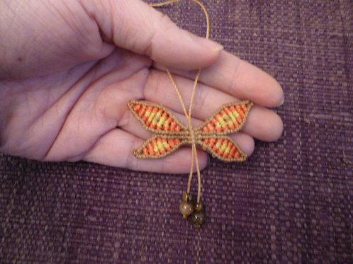 Réalisable sur commande : collier papillon