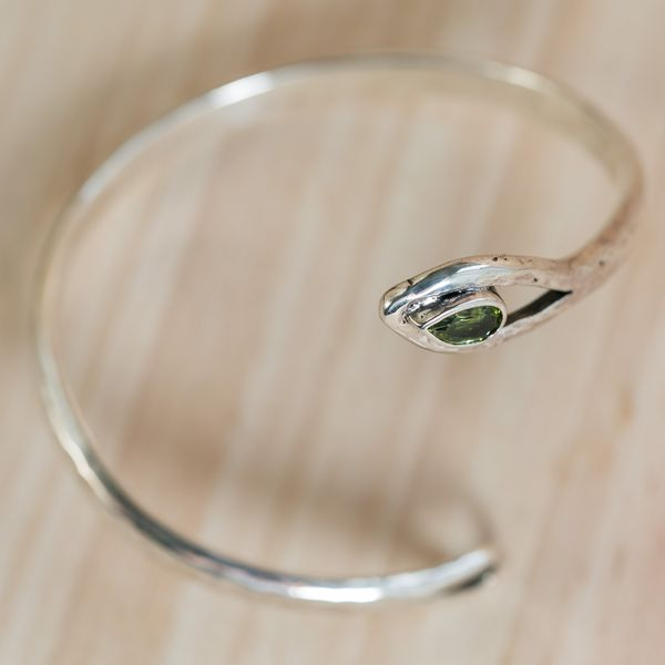 Arte-Sincero bracelet serpent argent péridot
