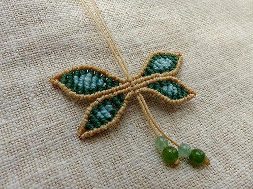 Réalisable sur commande : collier papillon vert