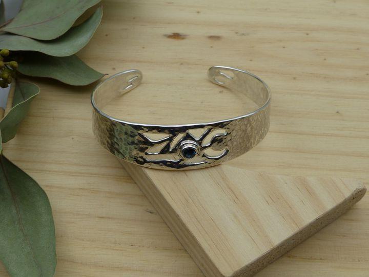 bracelet manchette argent et spinelle