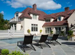 Residence in Newport Road Island