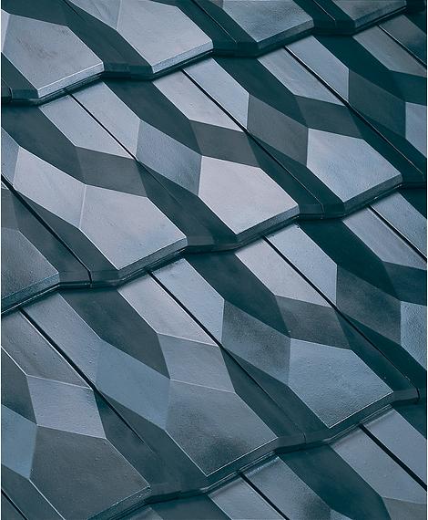Diamant Clay Roof Tile in Argentique