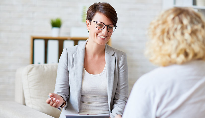 Woman talking with professional | psychiatric medicine | Psychiatric medication management in Fort lauderdale, FL | psychiatric medication management in Coral Springs, FL | psychiatric medicine management | online therapy | 33076 | 33067 |  33428 | 33071