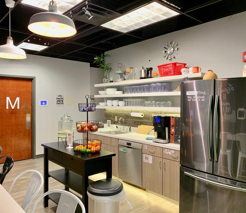 Cafe & Fridge