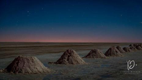 Pyramides de sel à la lueur de la lune