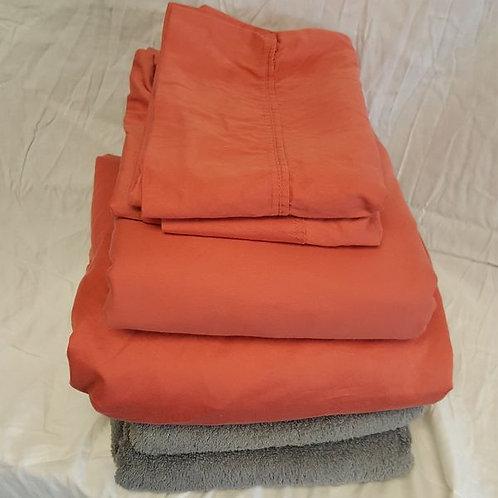 Queen Sheet Set + 2 bath towels