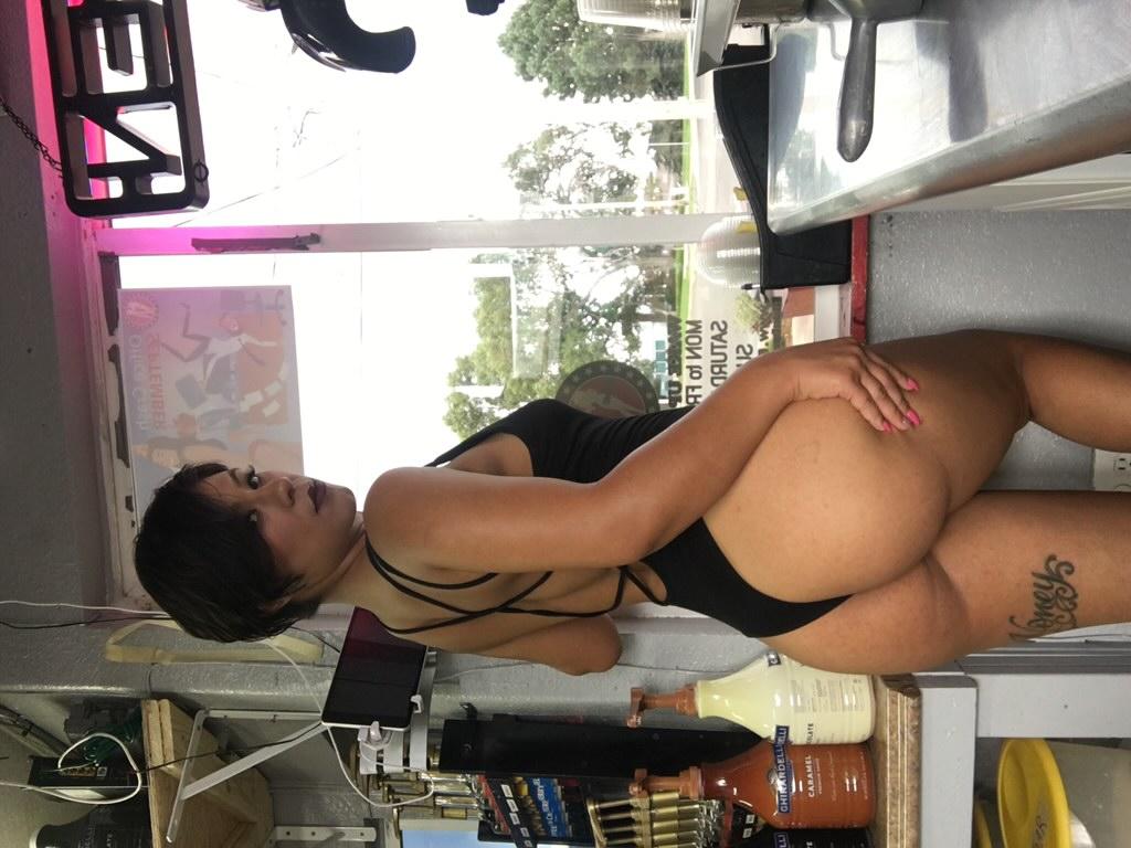 Big Booty Female Stripper Los Angeles