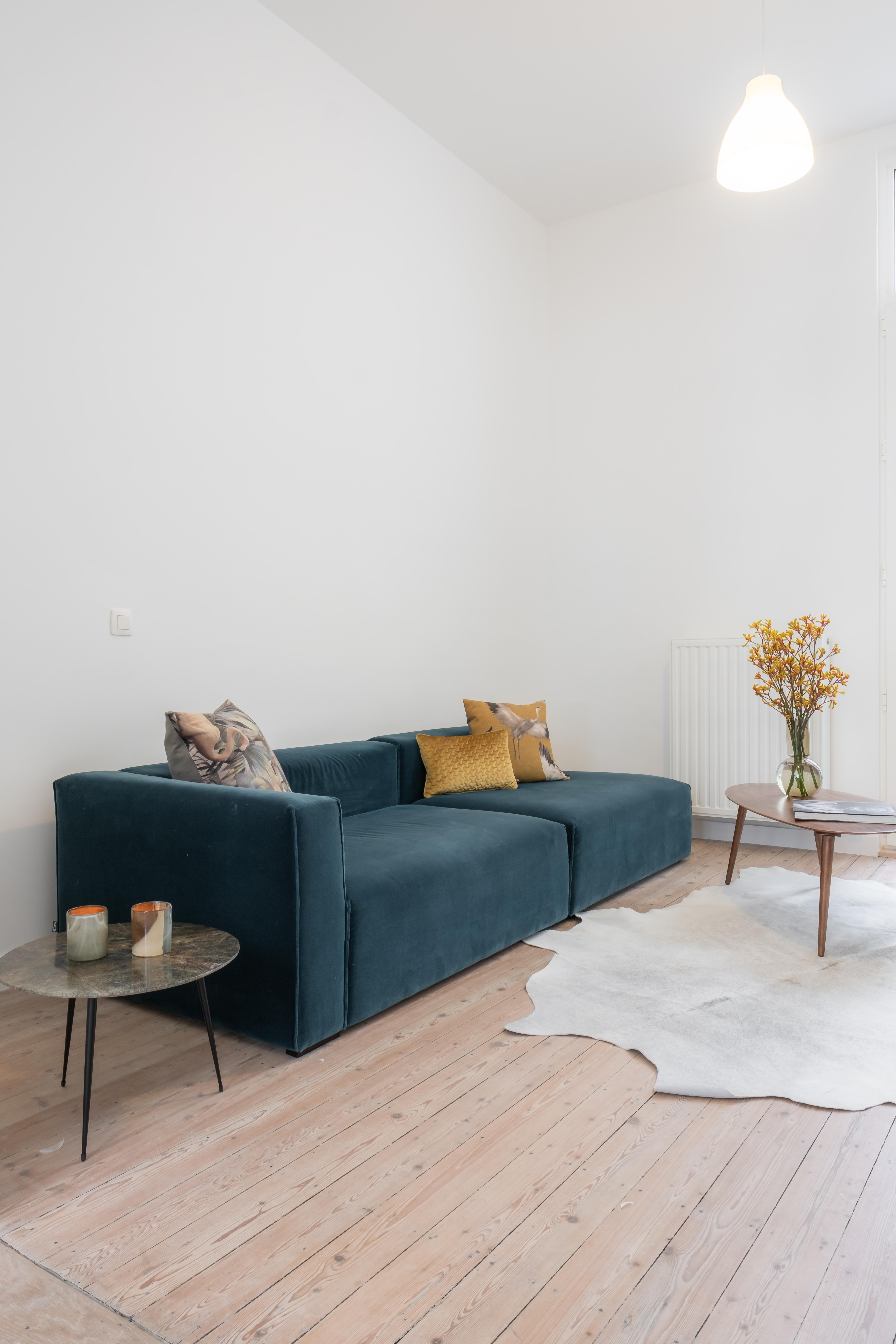 Jan Van Beersstraat 4 velvet sofa