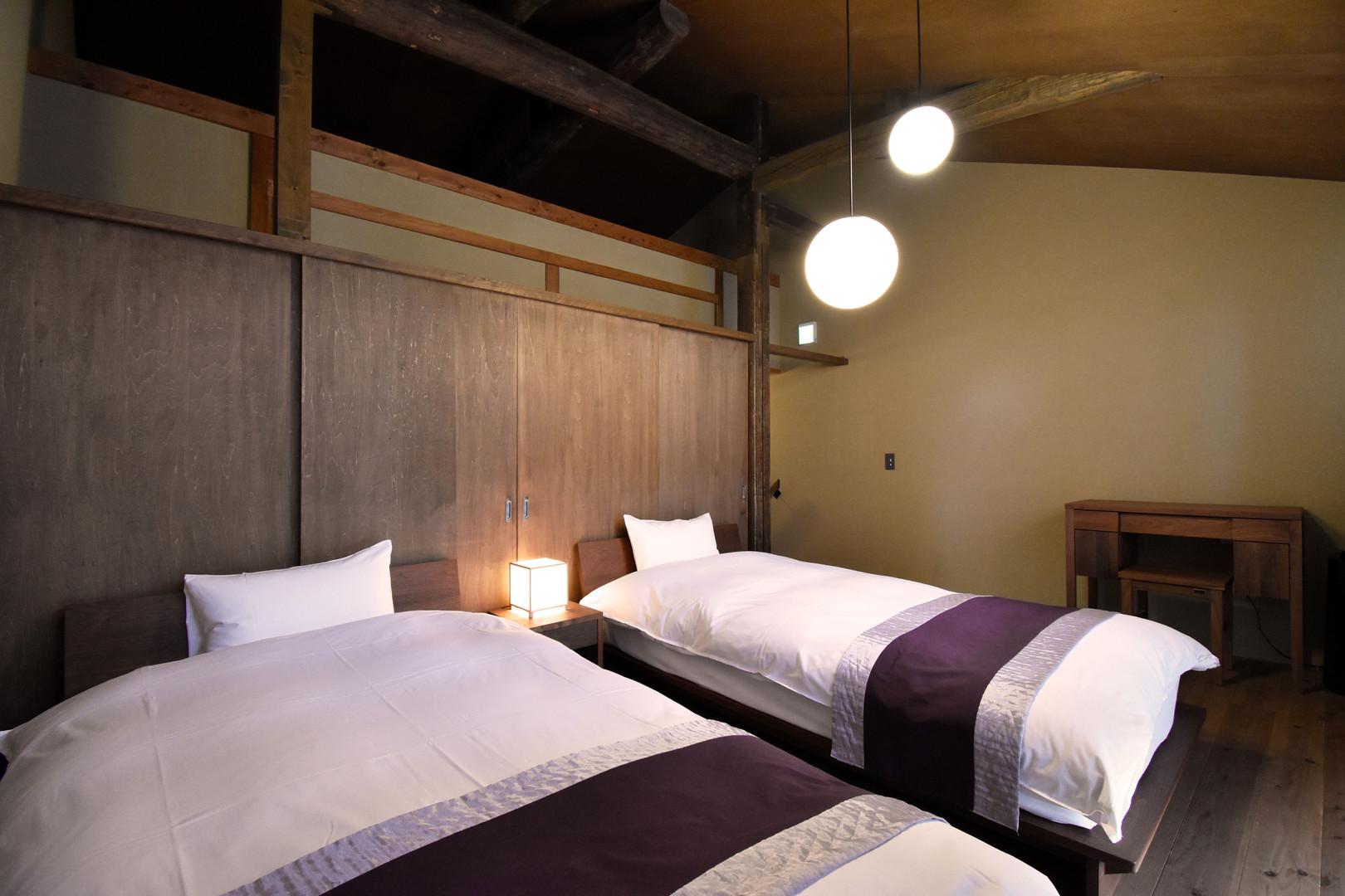 二階の寝室.jpg