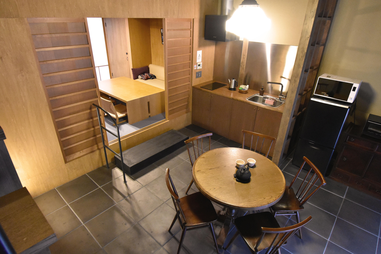 一階のキッチン・ダイニングスペース