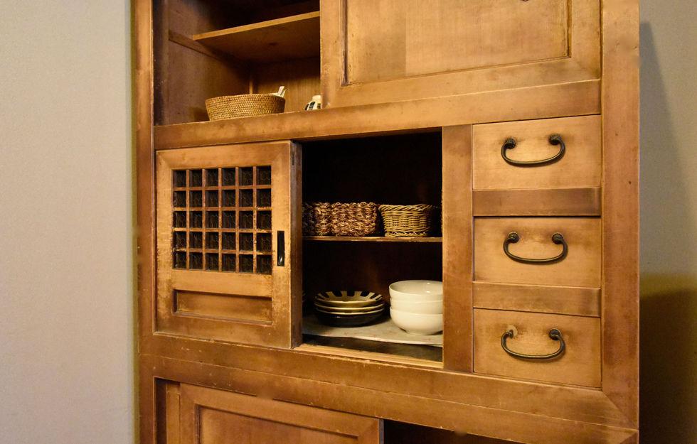 キッチンのカップボード-min.jpg