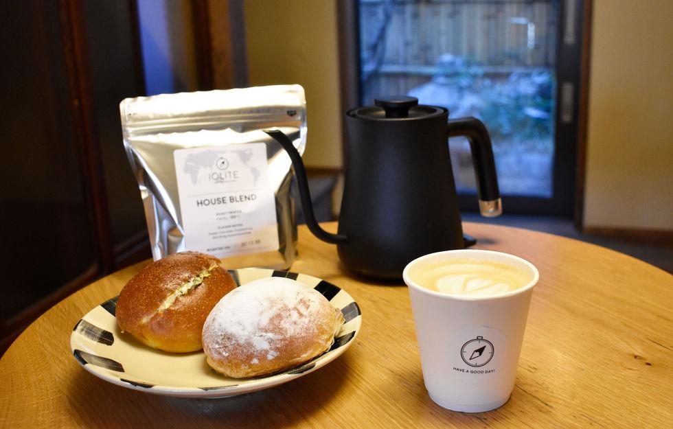 パンとコーヒーの朝ごはん.jpg