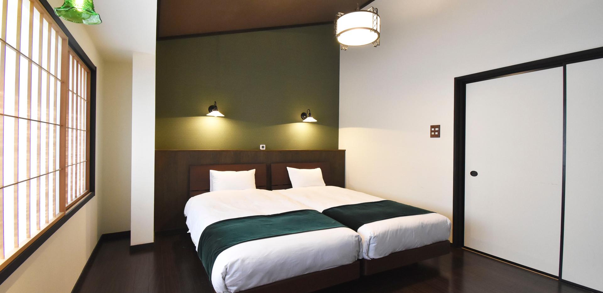 二階の寝室