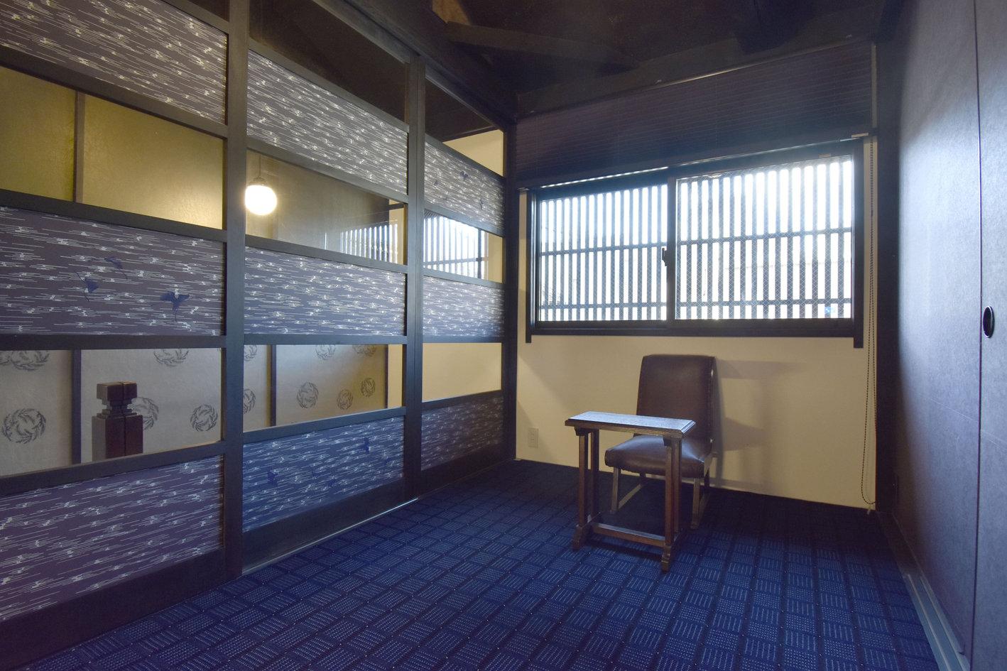 二階の書斎.jpg