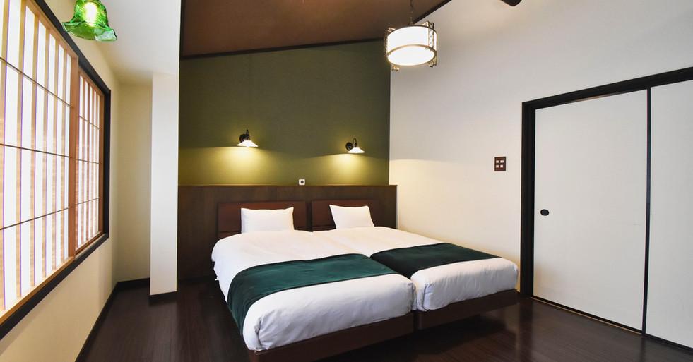 寝室ベッド2-min.jpeg