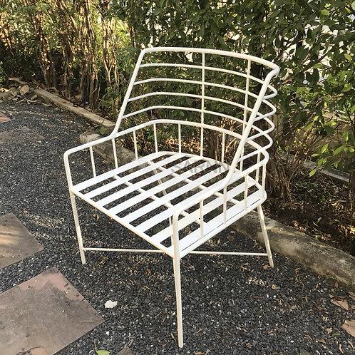 เก้าอี้เหล็กสีขาวสไตล์โมเดิร์น