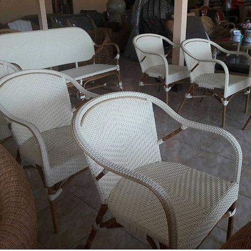 Victory chair เก้าอี้อาหารหวายเทียม
