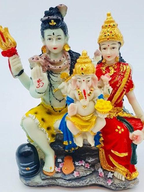 Mesmerising Lord Shiv Parvati & Ganesha Idol in One Frame.